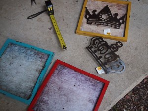 DIY Colorful Art Frames;  www.makeoversandmotherhood.com