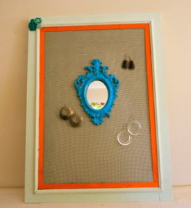 Jewelry board from Tupelo Lane Designs; www.makeoversnandmotherhood.com