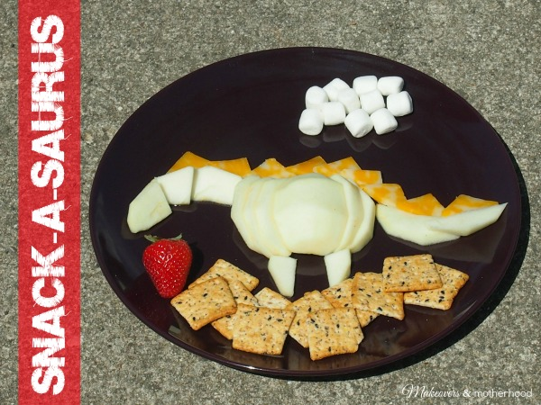 Snack-a-saurus;  www.makeoversandmotherhood.com