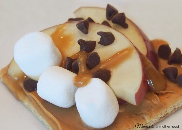 Fruit S'more #3; www.makeoversandmotherhood.com