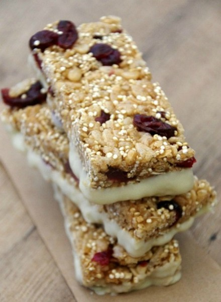 Meaningful Mama's Cranberry Quinoa White Chocolate Granola Bars
