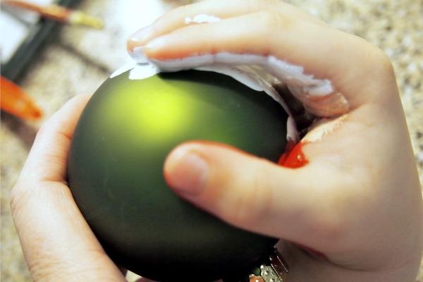 Hand stamping ornaments; www.makeoversandmotherhood.com